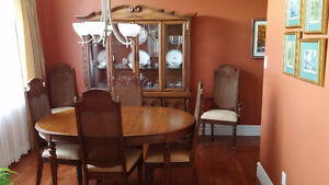 8 piece dining room set  Pickup only