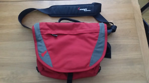 OnSight Messenger Bag