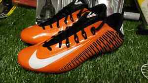 Soulier cleats football