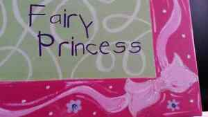 Princess painted canvas, girls room décor London Ontario image 2