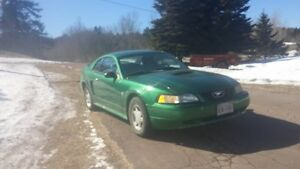 1999 Ford Mustang Coupe (2 door) FOR PARTS