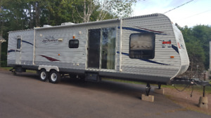 For sale 2011 36' Jayco camping trailer