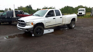 PARTING OUT 2003 Dodge Ram 3500 4x4 Diesel