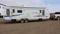Jay Feather 29 Foot - Excellent Condition Travel Trailer