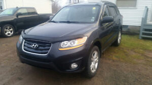 2011 Hyundai Santa Fe AWD, 3.5 V6, Great Vehicle !!