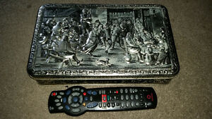 Old vintage embossed collectible tin from Belgium....only 7$....