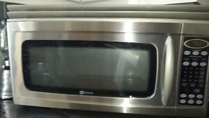 MICRO ONDES HOTTE INTÉGRÉE MARQUE MAYTAG STAINLESS