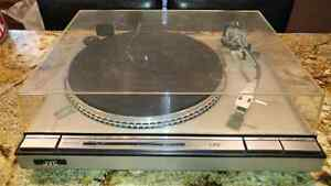 JVC Turntable direct drive L-A55