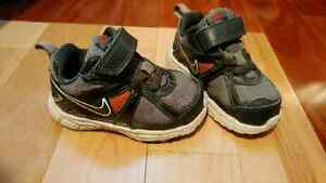Boys Nike Shoes (size 6)