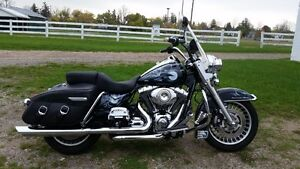 2010 ROAD KING - MINT