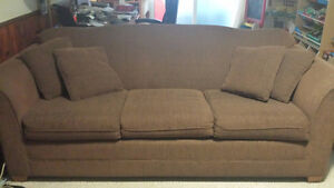 FREE COUCH AND LOVE SEAT - Pick Up Jan 17