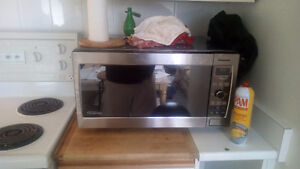 Panasonic Microwave Inverter - Moving and need gone today