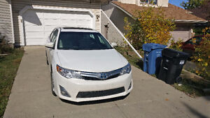 2014 Toyota Camry XLE Hybrid Sedan - Lease Takeover ($353/month)