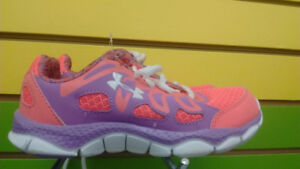 (202A) Girl's's Sneakers Under Armour Size 13