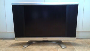 SHARP LCD 20 inch TV with REMOTE Control Windsor Region Ontario image 6