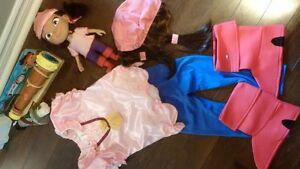 """Disney Store 4 piece """"Izzy""""  Costume /spy scope/doll"""