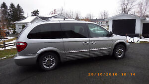 2001 Chrysler Town & Country limited mini fourgonnette