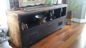 Meuble vintage métalique et bois de grange