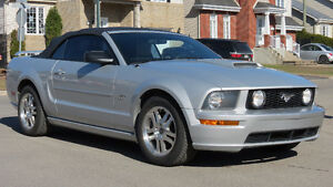 Ford Mustang GT 2005 Convertible Superbe Condition