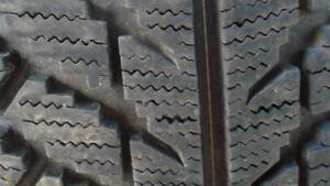 pneus hiver 225 55 16 Toyo