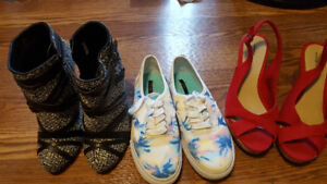3 pairs of size 7 shoes
