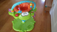 Fisher Price Bouncer/Bebe Play Station