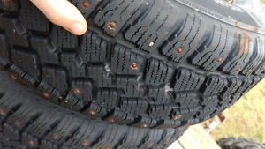 215/70r15 studded tires and rims 5x4.5 (Jeep, Ranger, V6caravan)