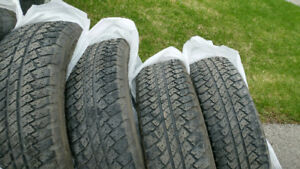 255 / 70 R18 All season tire