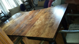 STUNNING REFINISHED LARGE ANTIQUE 5 LEG TABLE & 8 ARMCHAIRS