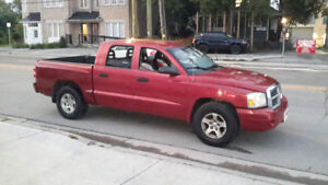 2007 Dodge Dakota SLT Pickup Truck  CALL 6473522058