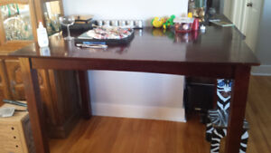 Large dinning table 2 bar stools