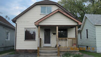 Tecumseh Town -- 3 Bedroom House -- Available Nov 1