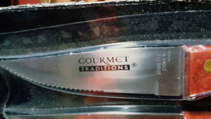 Gourmet Tradition Steak Knives - set of 8 -  New in Package