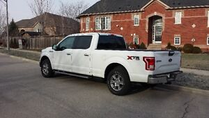 2015 Ford F-150 XLT 4X4 302A loaded, roof, V8 +EXTRAS
