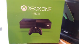 1TB Xbox One + 2 controllers