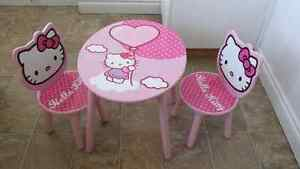 Hello Kitty table for kids