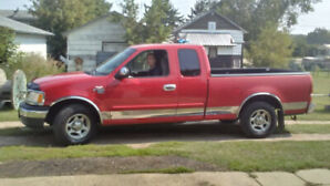 1999 FORD F150 XLT extended cab, no rust ,low kms 190000