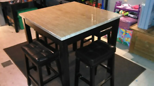 Table and 4 leather stools