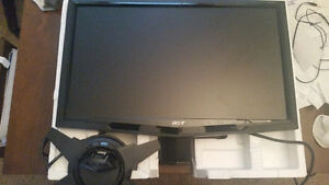 Widescreen computer monitor in mint condition