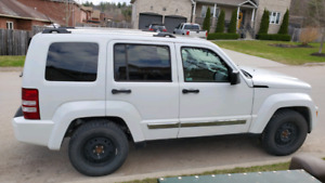 2011 Jeep Liberty LIMITED Edition. Loaded.