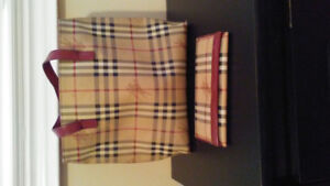 Used Burberry purse and wallet