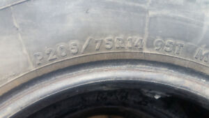 2 Winter tires 205/75/14 Pirelli