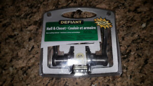 Defiant Hall and Closet Door Hardware / Handle