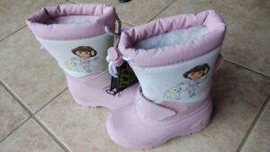 NEW with Tag Dora Snow Boots Size 8