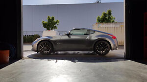 2016 Nissan 370Z Coupe - Like new - 2700kms! - Clean title