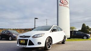 2013 Ford Focus SE | LEATHER!