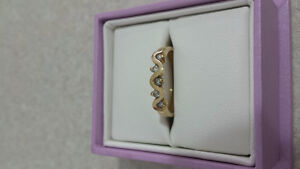10K Gold Ring with 5 Diamonds