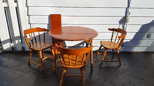 Dining Room Table with 3 Chairs and Leaf