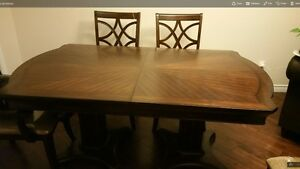 High End Classy Dining Table with 6 Chairs
