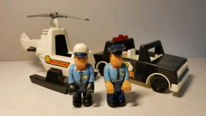 FISHER PRICE 332 husky police